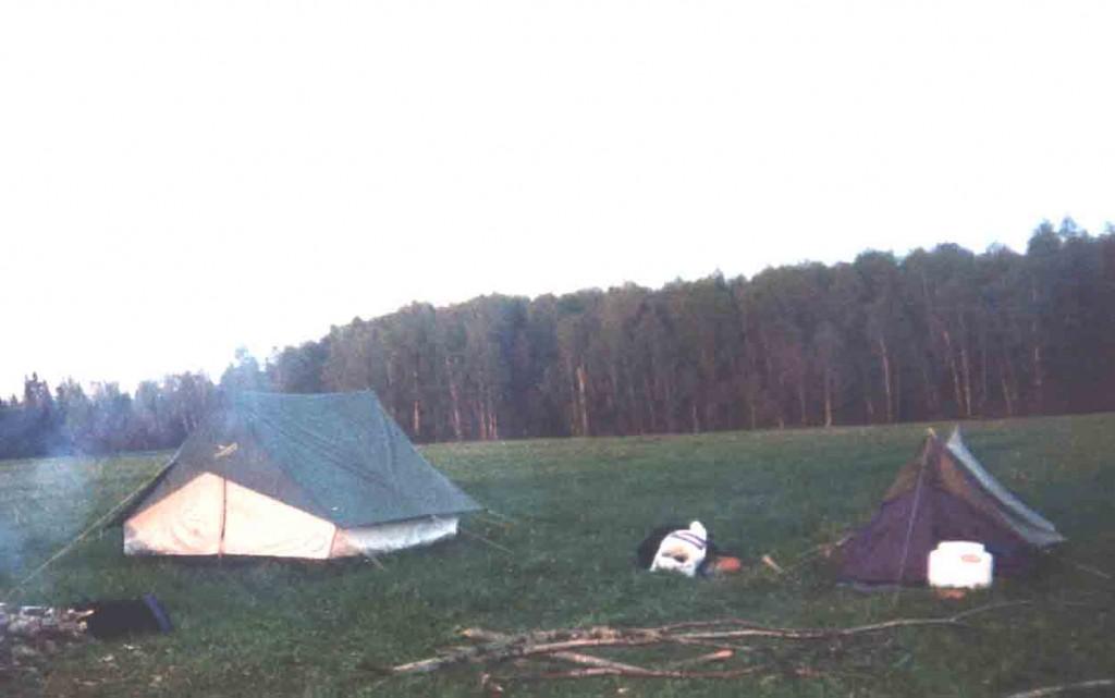 Лагерь экспедиции. Березино апрель 2004 г.